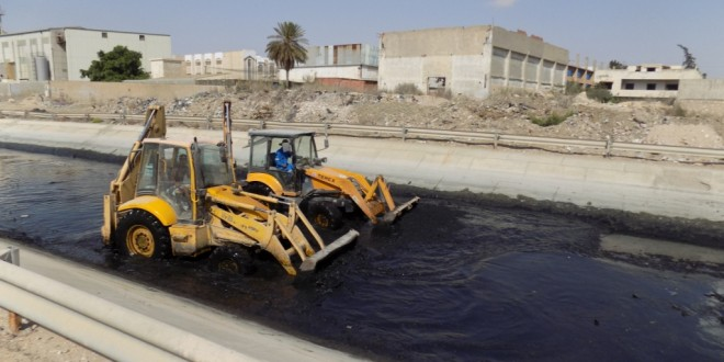 Excavation and cleaning of drainage canals in the project Taparura